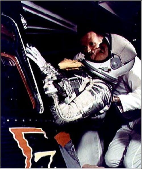 Walter Schirra w kapsule Sigma 7