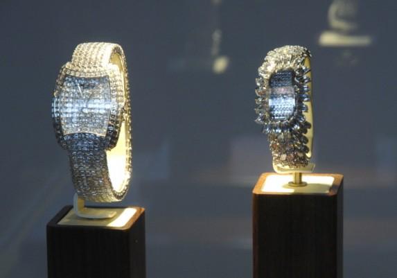 Od lewej: Métiers d'Art Kalla Duchesse, Métiers d'Art Kalla Flame