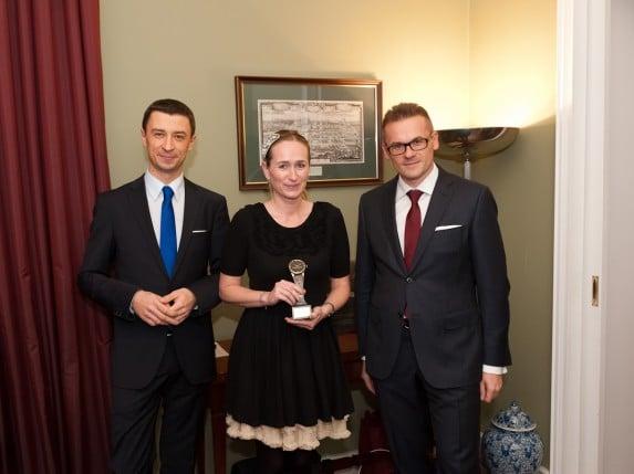 """""""Zegarek Publiczności"""" i Magdalena Polańska (Swatch Group Polska)"""