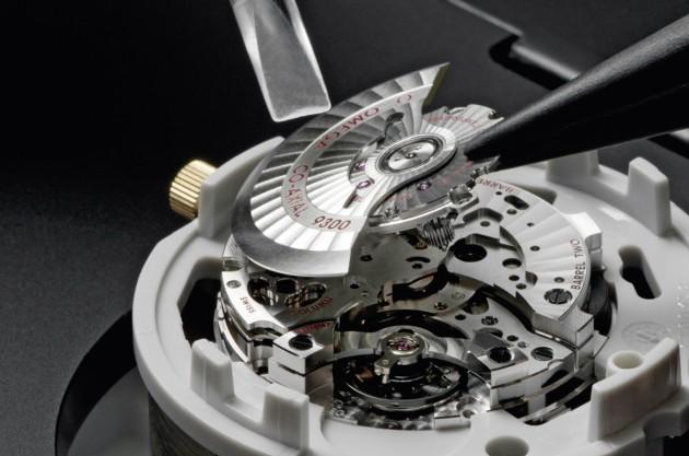 kaliber 9300 - montaż naciągu automatycznego