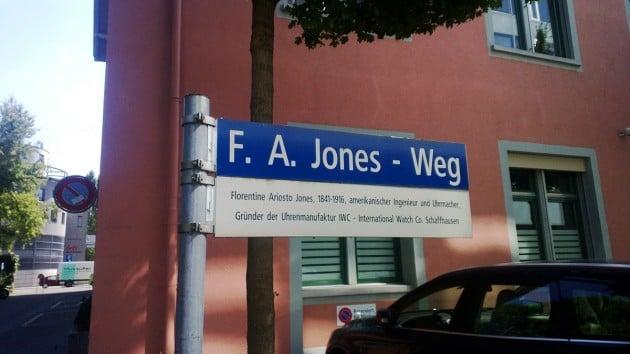 ulica im. F.A.Jonesa tuż obok manufaktury IWC