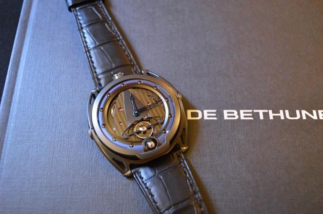 DB28 All-black