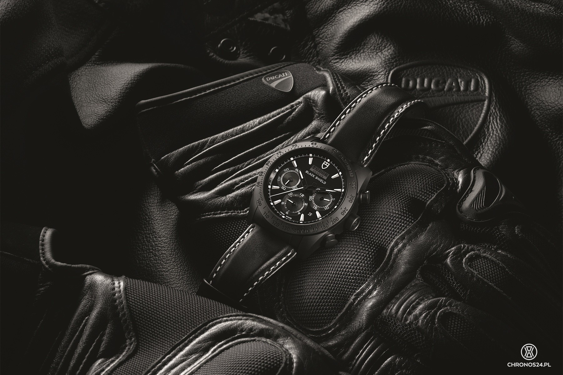 "Tudor Fastrider Black Shield ""XDiavel"""