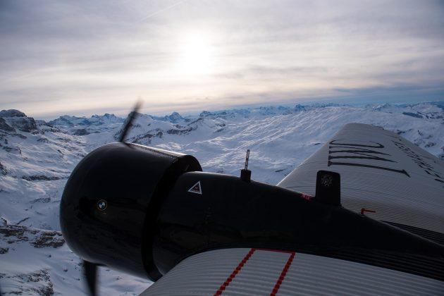 Ju-52... Alpy... zachód słońca