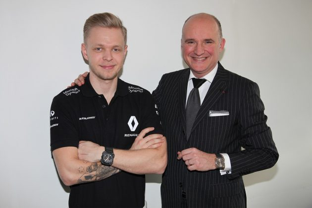 Kevin Magnussen (po lewej) i Carlos A. Rossilo (Bell & Ross)