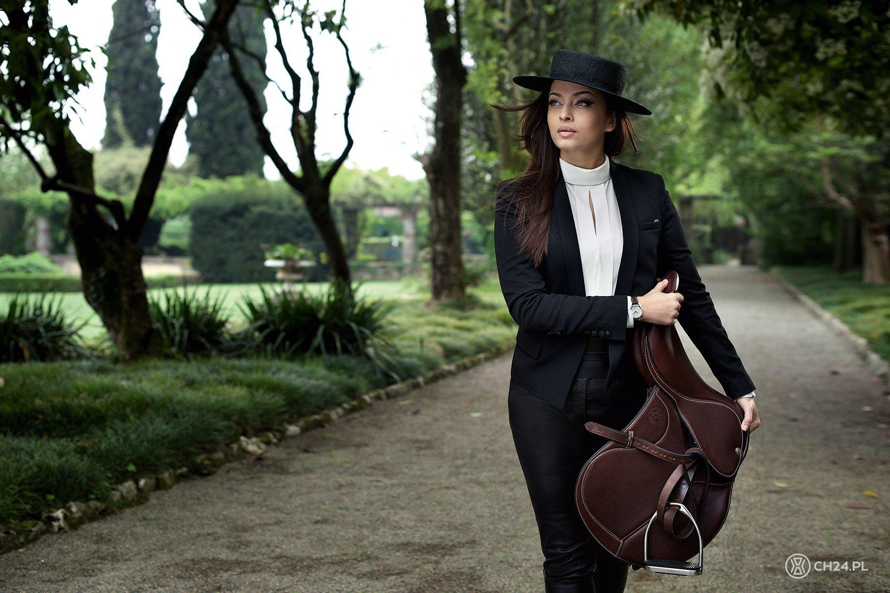 Znalezione obrazy dla zapytania longine equestrian fashion