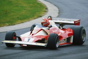 Niki Lauda w bolidzie Ferrari, Nürburgring, 1976 / foto:Wikipedia