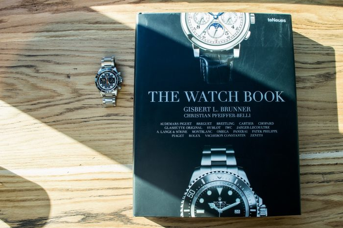 "Biblioteka: ""The Watch Book"""