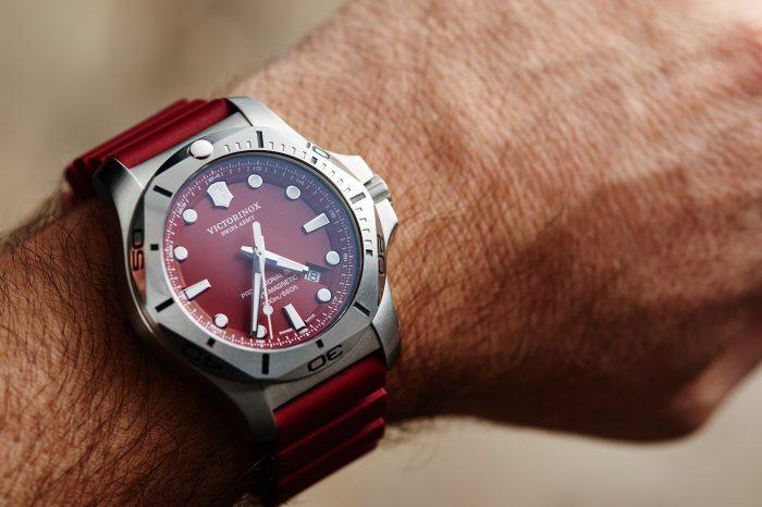 Victorinox I.N.O.X. Professional Diver na nadgarstku zegarkowego amatora [zdjęcia live, cena]