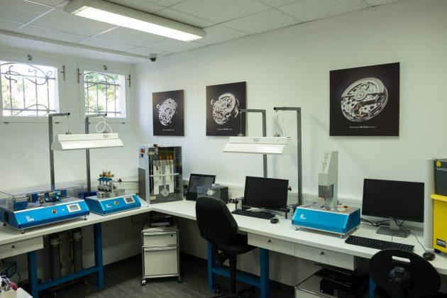 Jedno z pomieszczeń do testowania zegarków