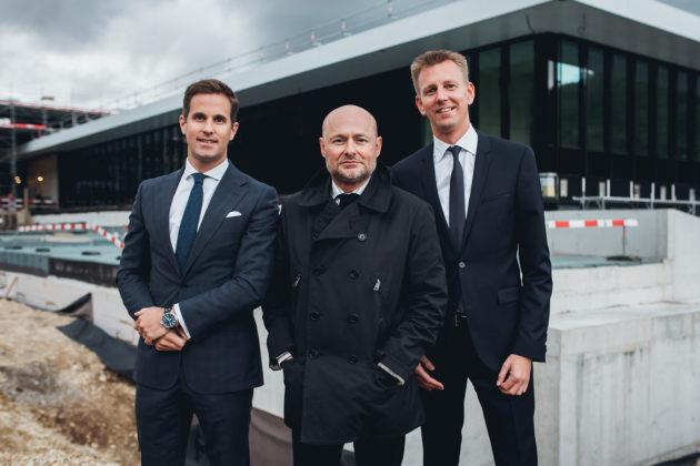 Christophe Grainger-Herr (po lewej) i były CEO IWC Georges Kern (w środku)