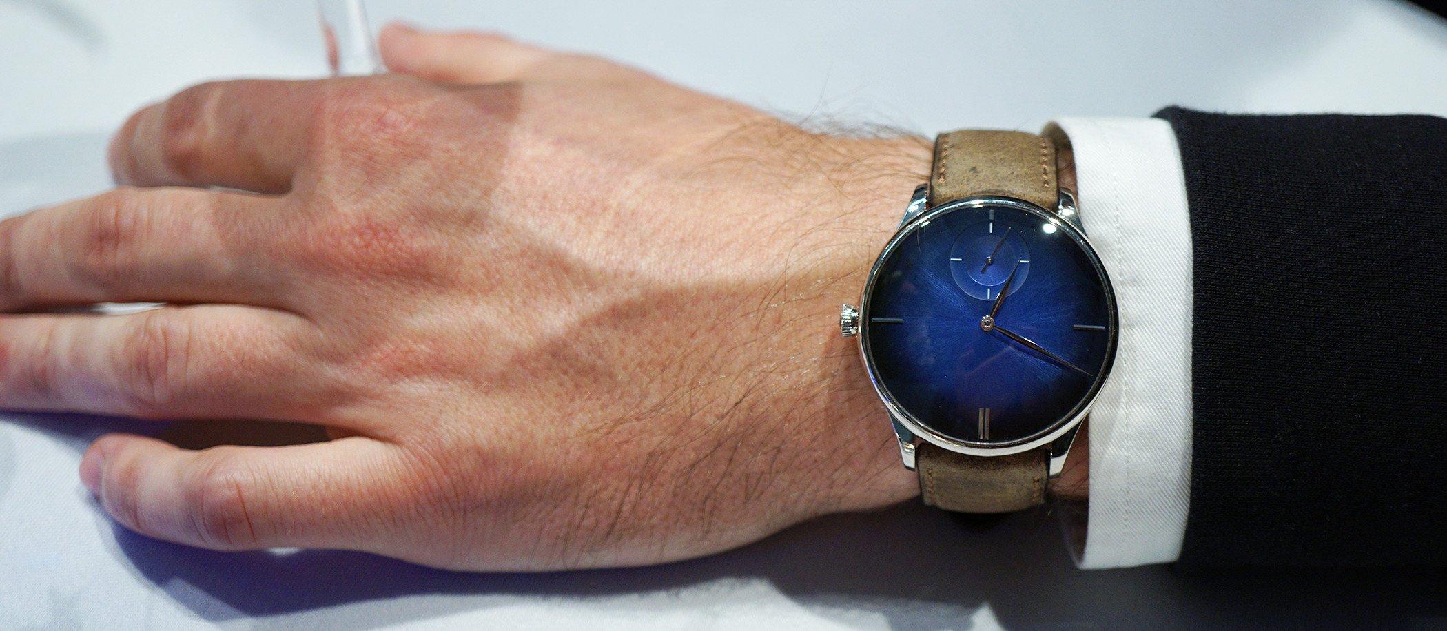 H. Moser & Cie. Venturer Small Seconds XL