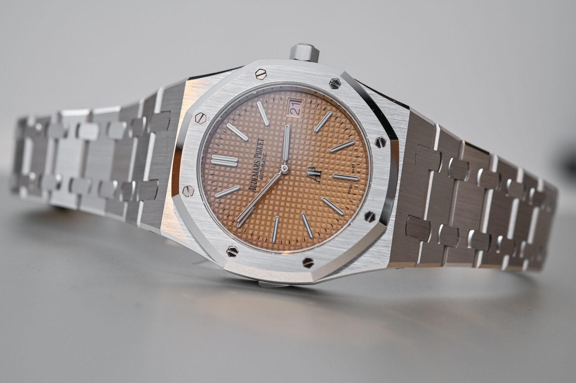 "Audemars Piguet Royal Oak ""Jumbo"" Extra Thin / foto: monochrome-watches.com"