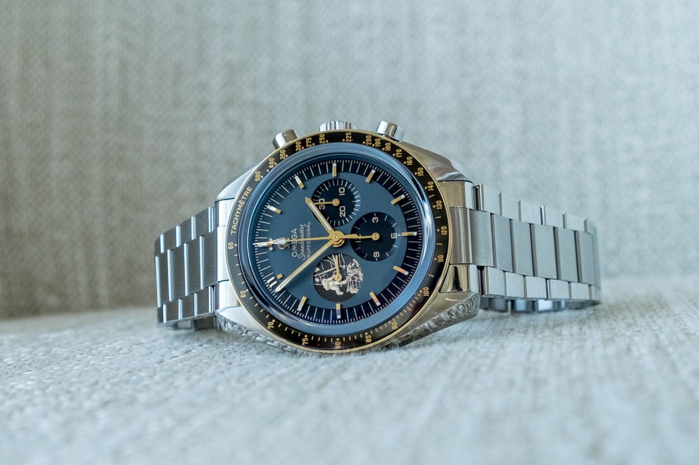 """Hands-On"" Omega Speedmaster Apollo 11 50th Anniversary [zdjęcia live, cena]"