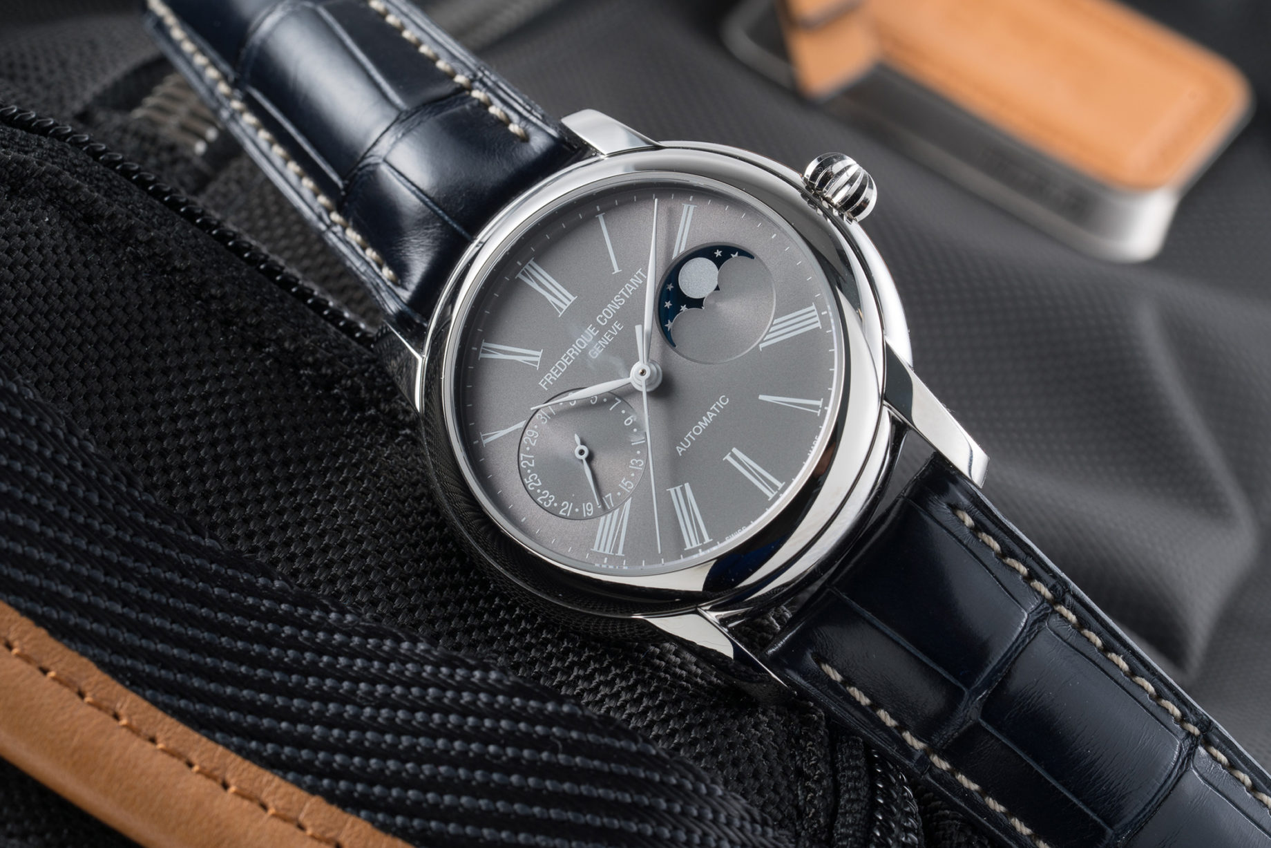 Frederique Constant Classic Moonphase Manufacture Fratello Exclusive