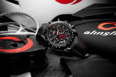 "Omega Speedmaster ""Dark Side of the Moon"" Alinghi"