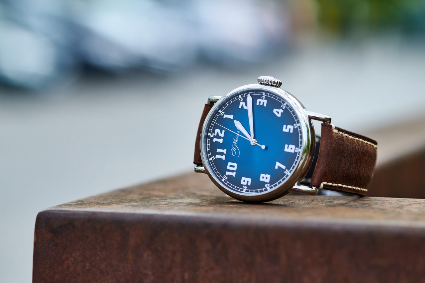 H. Moser & Cie. Heritage Centre Second Funky Blue