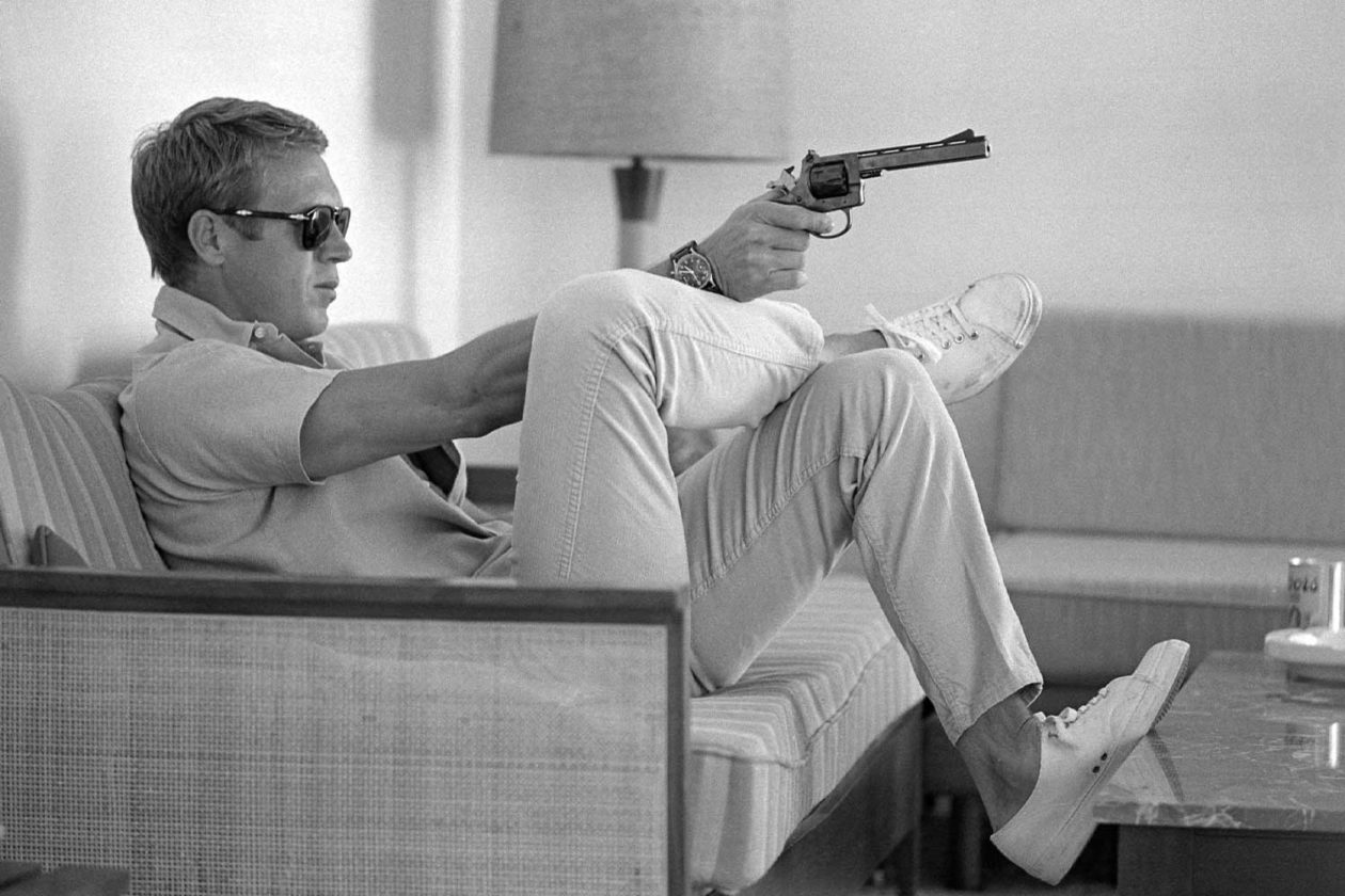 Steve McQueen i jego Hanhart 417 ES –  foto: John Dominis/The LIFE Picture Collection via Getty Images