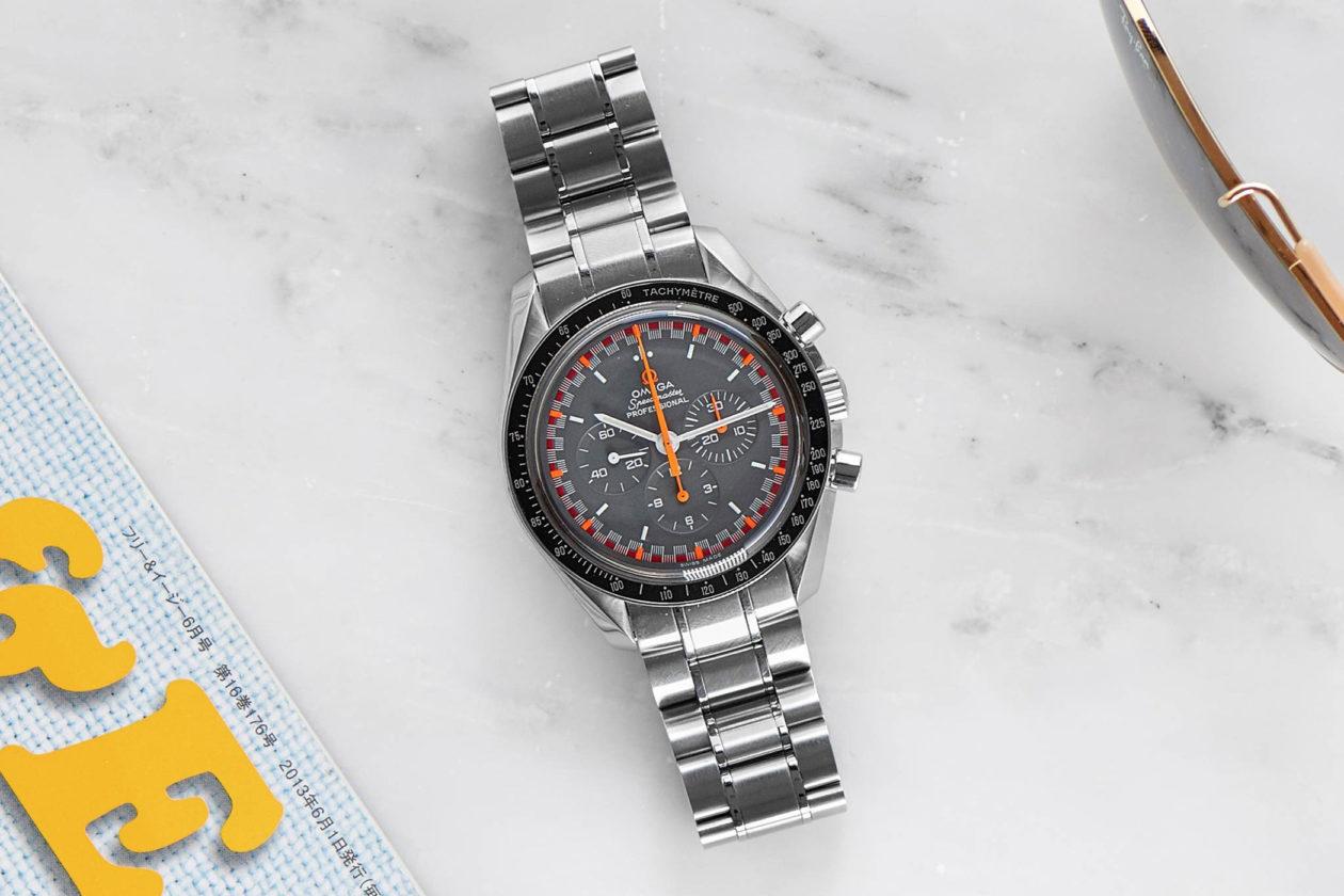 "Omega Speedmaster Professional ""Japan Racing"" / foto: hodinkee.com"