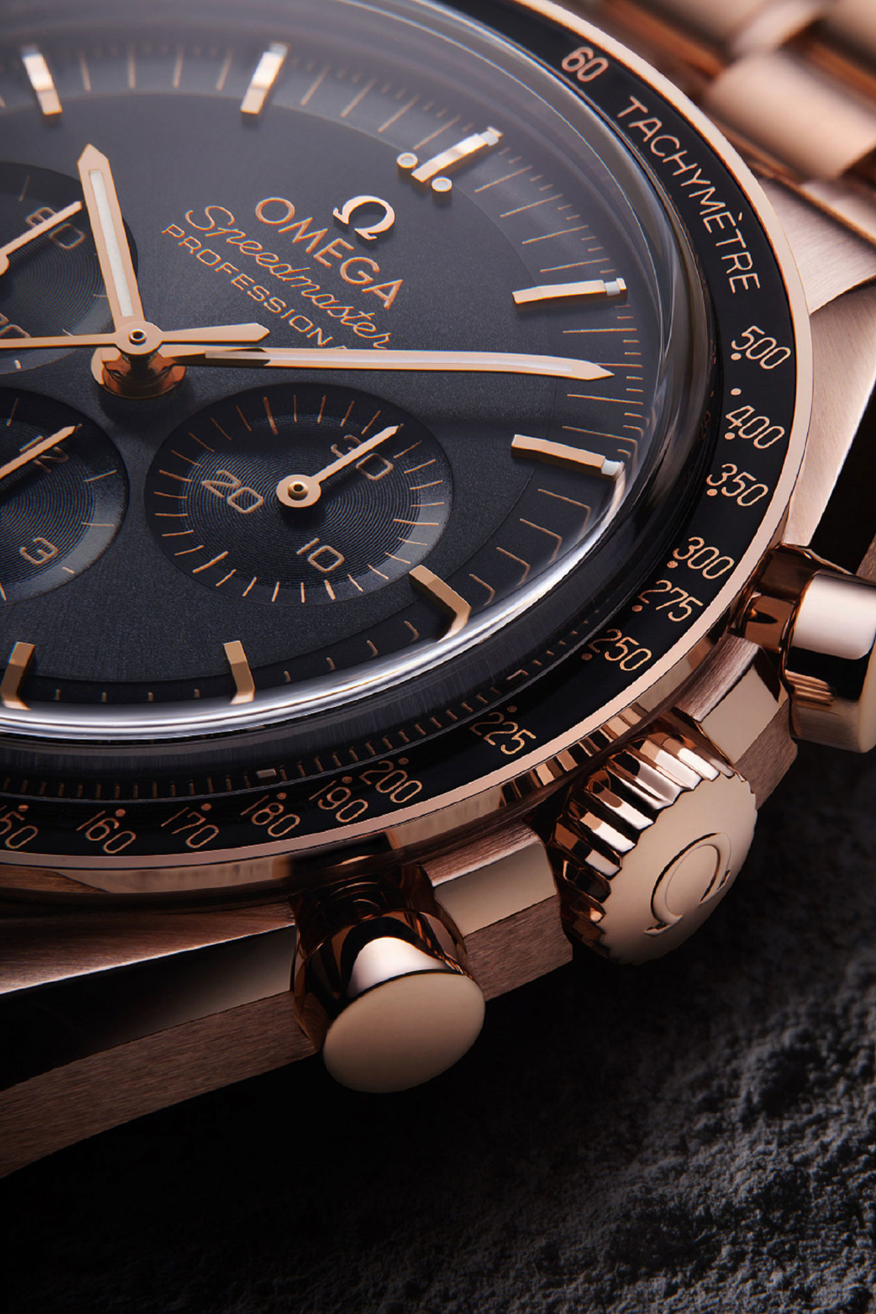 Omega Speedmaster Moonwatch Master Chronometer Sedna Gold
