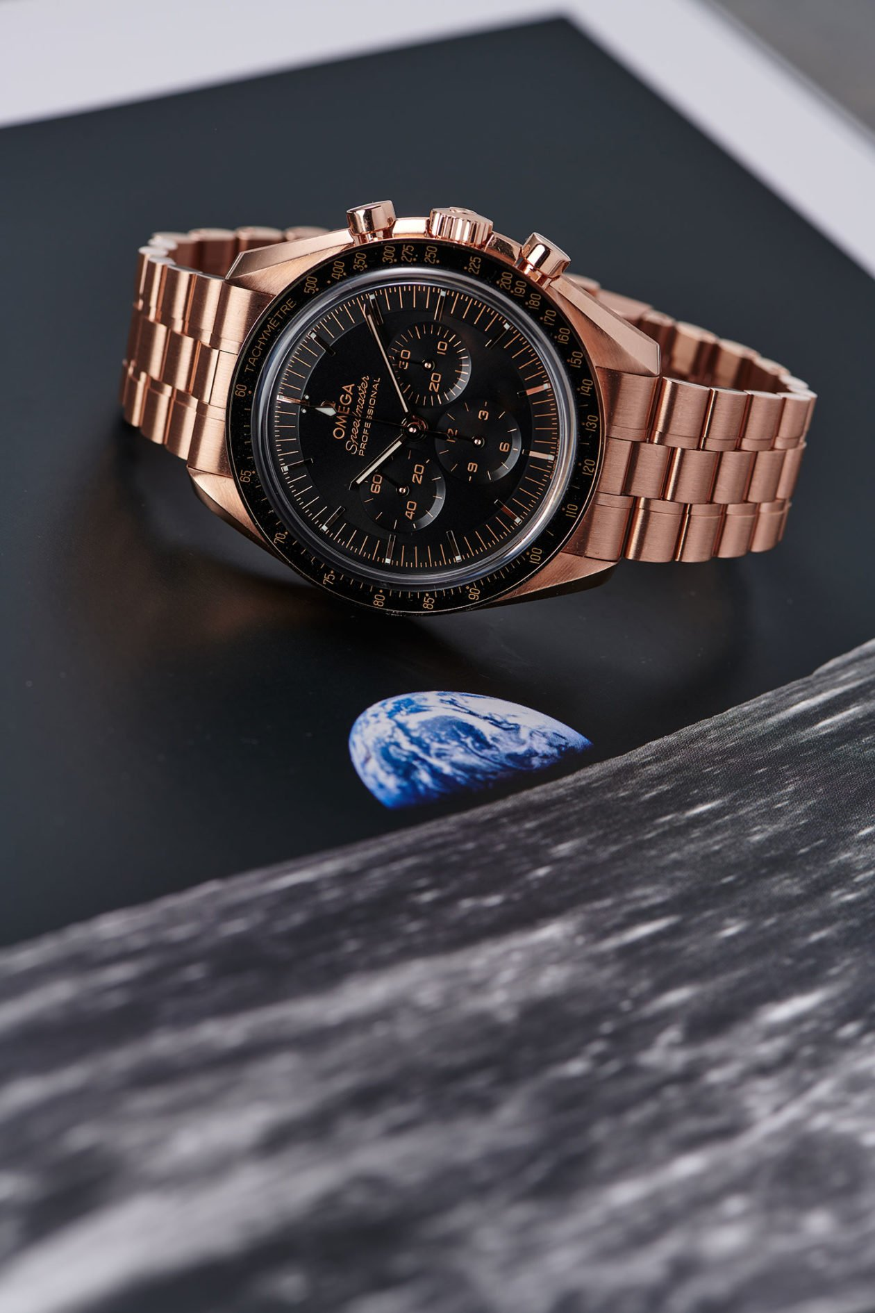 """Omega Speedmaster Professional """"Moonwatch"""" Co-Axial Master Chronometer Sedna Gold"""