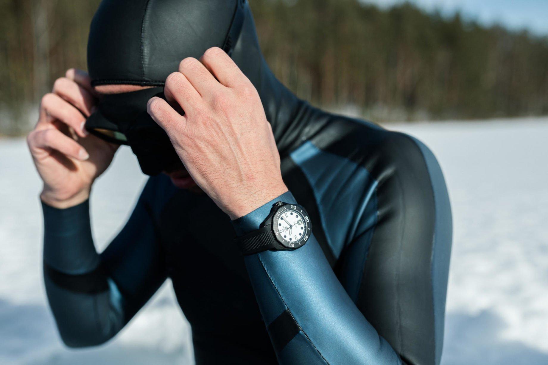 TAG Heuer Aquaracer Professional 300 Night Diver